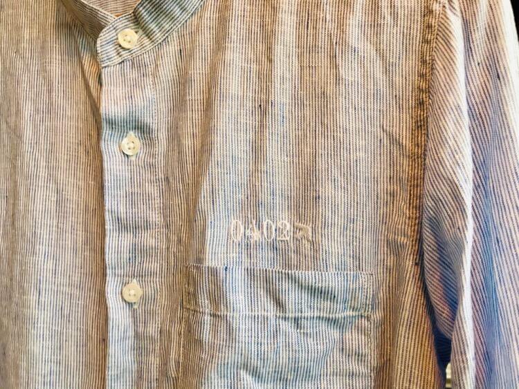 無印のオリジナル刺繍入シャツ