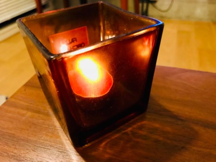 火を灯したキャンドル